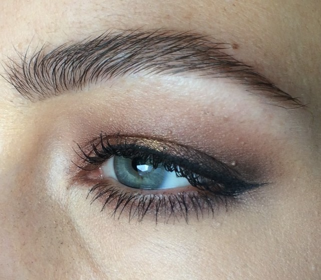 Beauty -Intence-warm-eyemakeup-with-liner.jpg